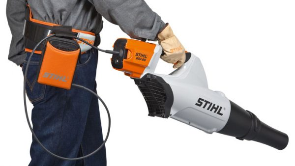 blower with electronically controlled STIHL electric motor