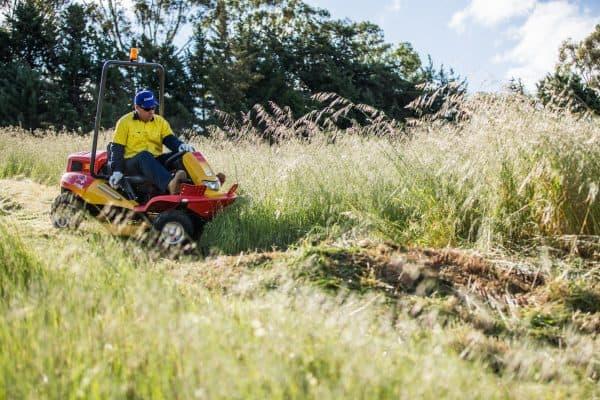 Ride on Mowers Razorbacks CMX2106 Garden Machinery